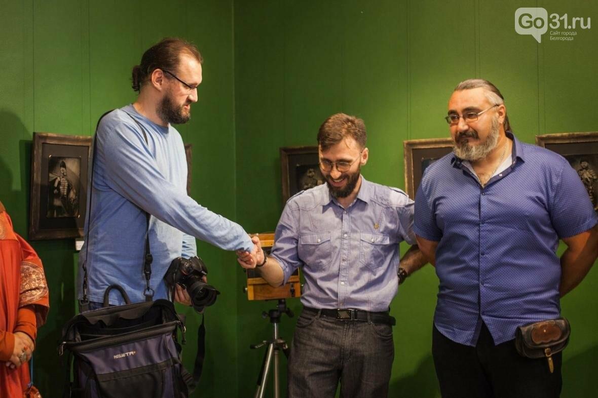 В «Родине» открылась выставка амбротипов Павла Титовича, фото-5
