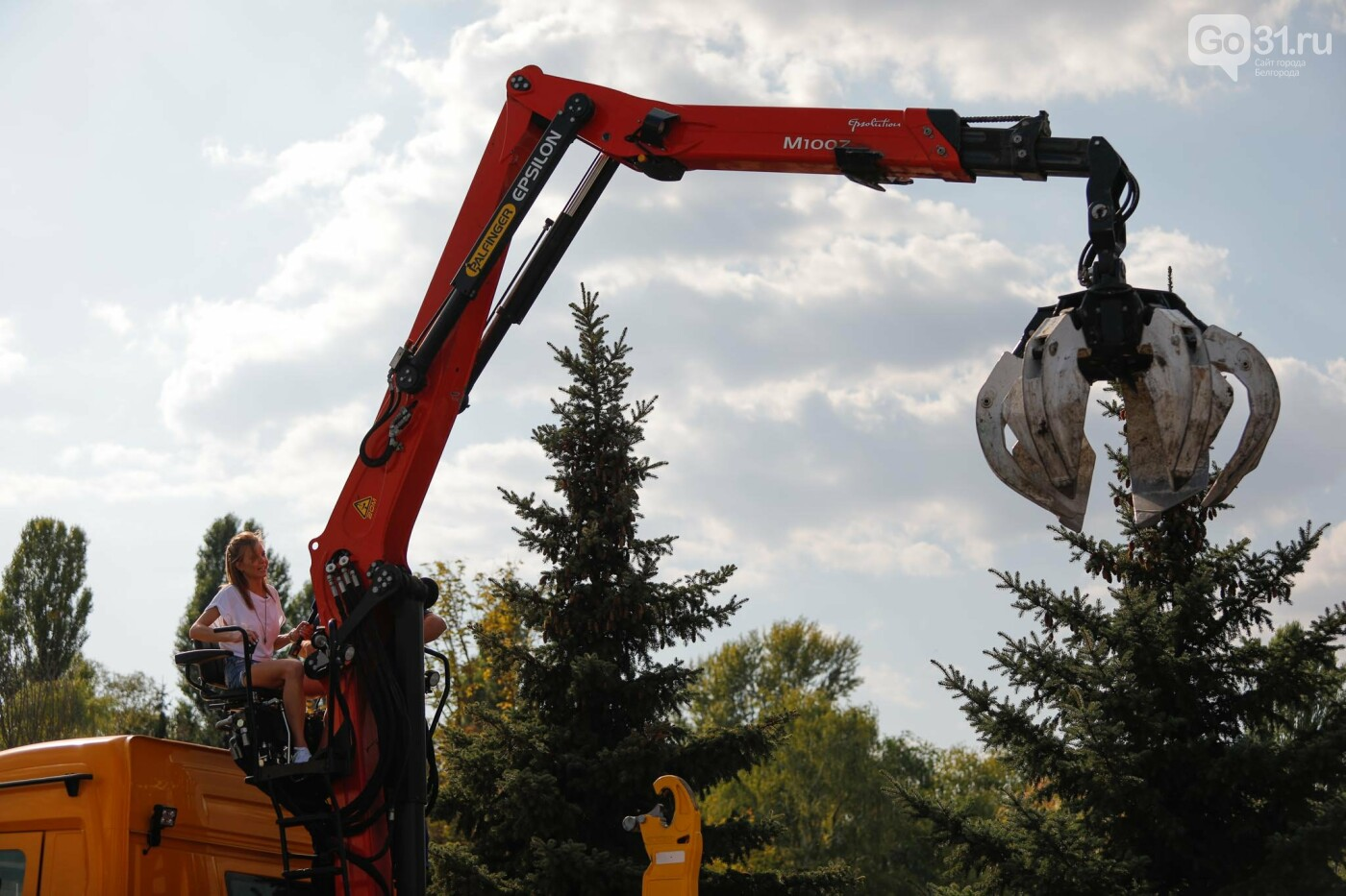 Какое шоу показали белгородцам участники российского пробега мусоровозов, фото-15