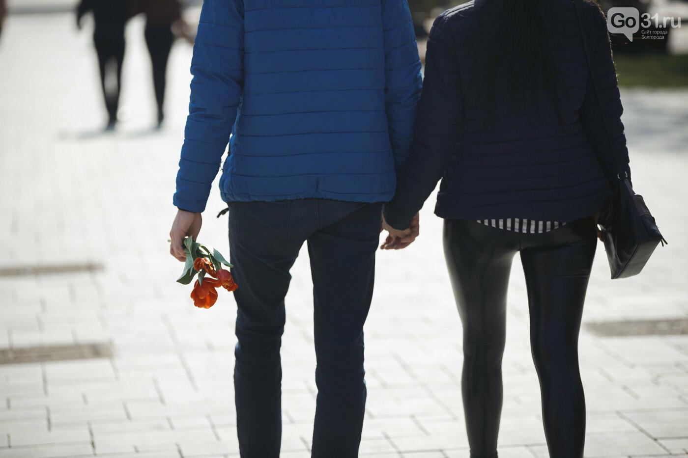 Дарить эмоции. Как белгородцы радовали дам цветами к 8 Марта, фото-17
