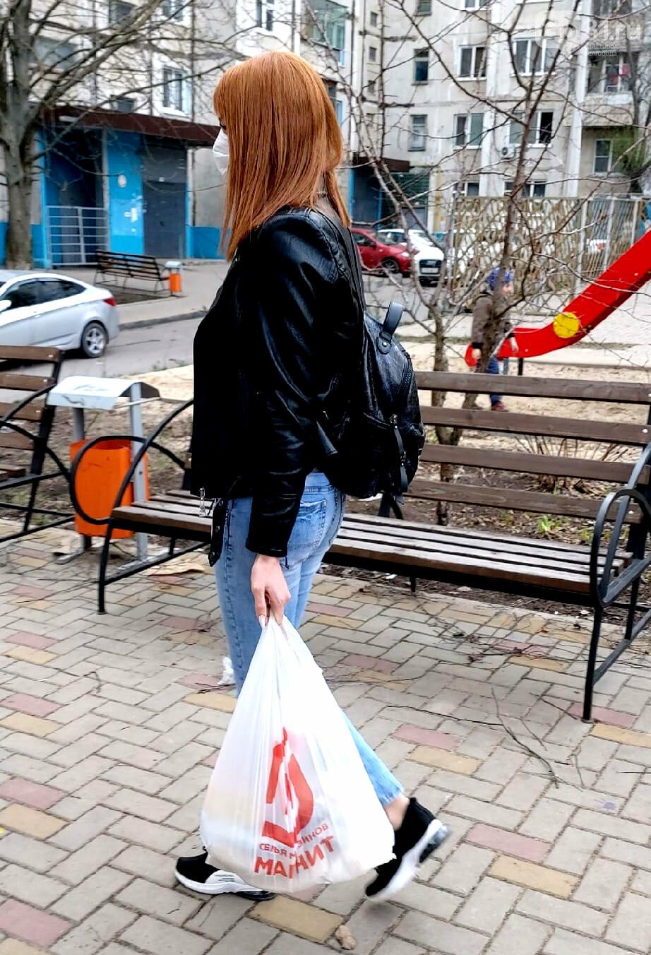 Карантинные хроники. В магазинах – больше масок и дистанции, фото-4, Фото: Надежда Саушина