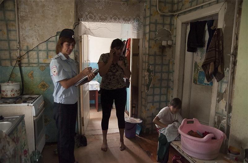 «Я не ползала, не валялась. Просто посидели». В Белгородской области известно о тысяче социально-неблагополучных семей, фото-2