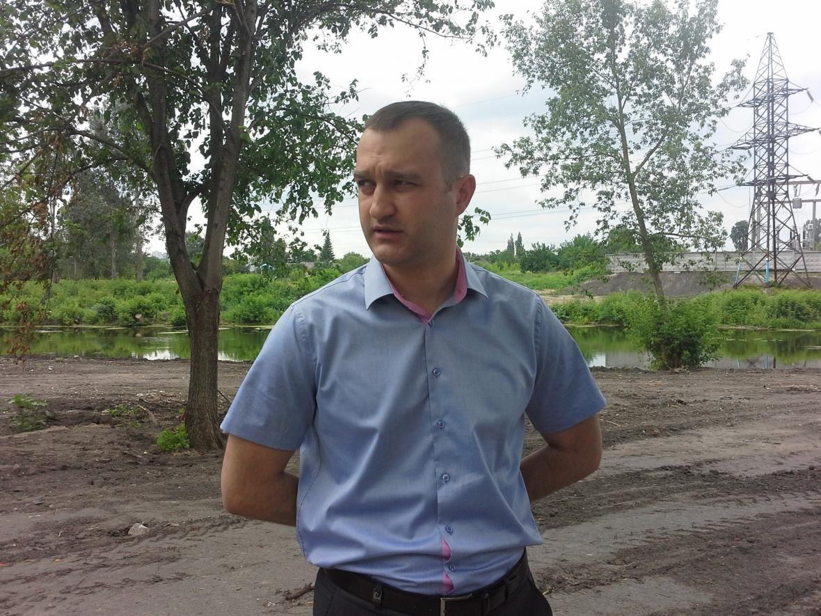 Василий Голиков на набережной Везёлки