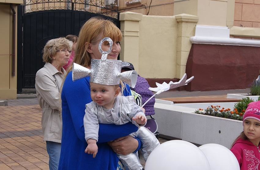 В День семьи, любви и верности в Белгороде прошёл парад детских колясок , фото-3