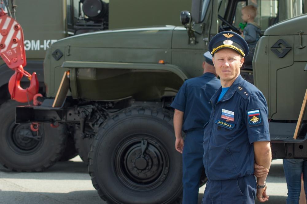 «Русские витязи» пролетели над Белгородом — фоторепортаж, фото-2