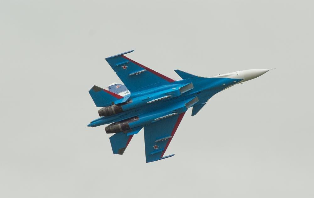 «Русские витязи» пролетели над Белгородом — фоторепортаж, фото-4
