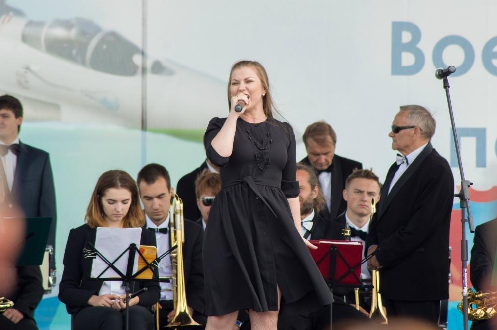 «Русские витязи» пролетели над Белгородом — фоторепортаж, фото-1