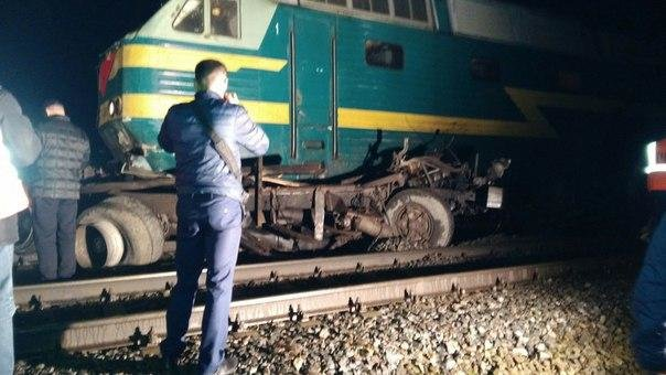 Поезд «Белгород-Москва» протаранил КамАЗ под Орлом, фото-1