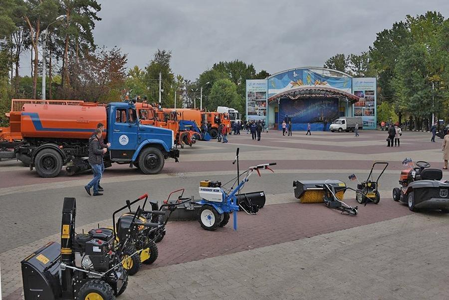 В Белгороде прошёл парад коммунальной техники, фото-4