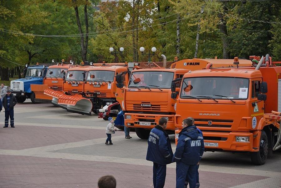 В Белгороде прошёл парад коммунальной техники, фото-1
