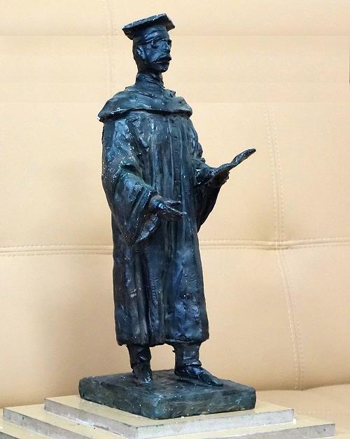 Скульптура вручению диплома может появиться в Белгороде, фото-1