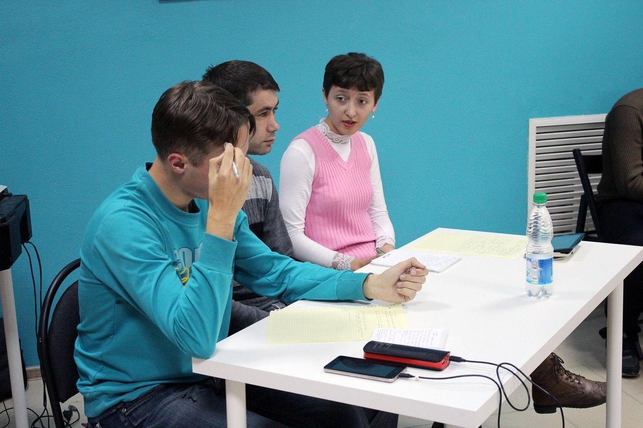 Оппозиция или наркотики? О чём спорили на дебатах волонтёры Навального, фото-4, Фото Юлии Тимофеенко