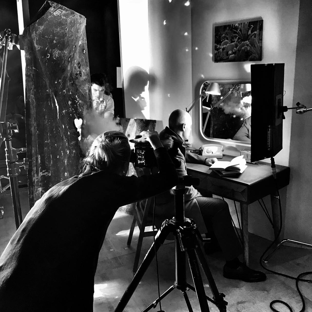 Бекстейдж с фотосессии, на фото Вадим Серых