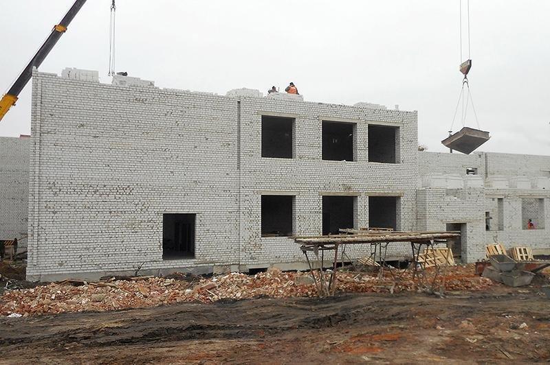 В Шебекине продолжается реконструкция школы, фото-1