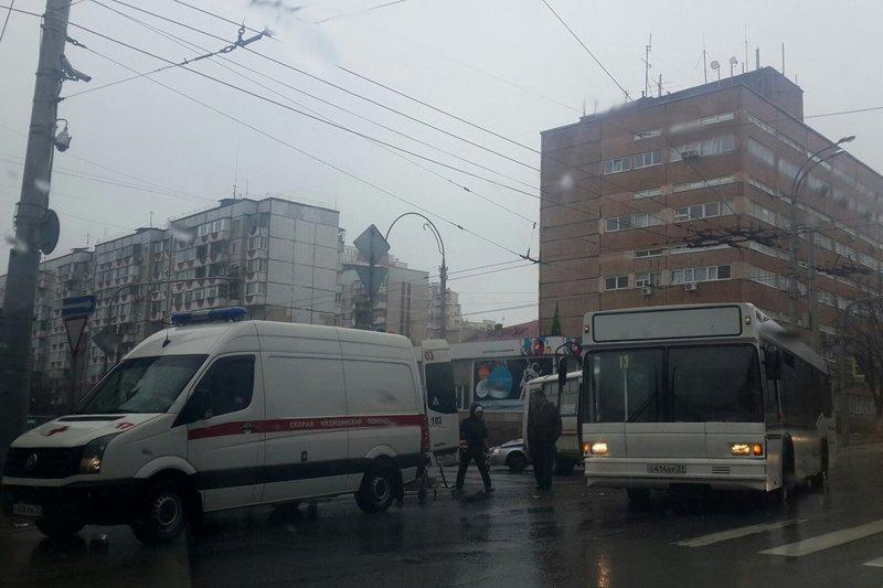 Пострадавшей в ДТП с автобусами белгородке выплатят 450 тыс. рублей компенсации за моральный вред, фото-1