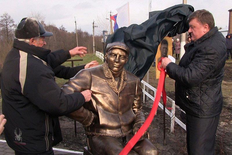 В Белгородской области появился памятник трубокладам, фото-1