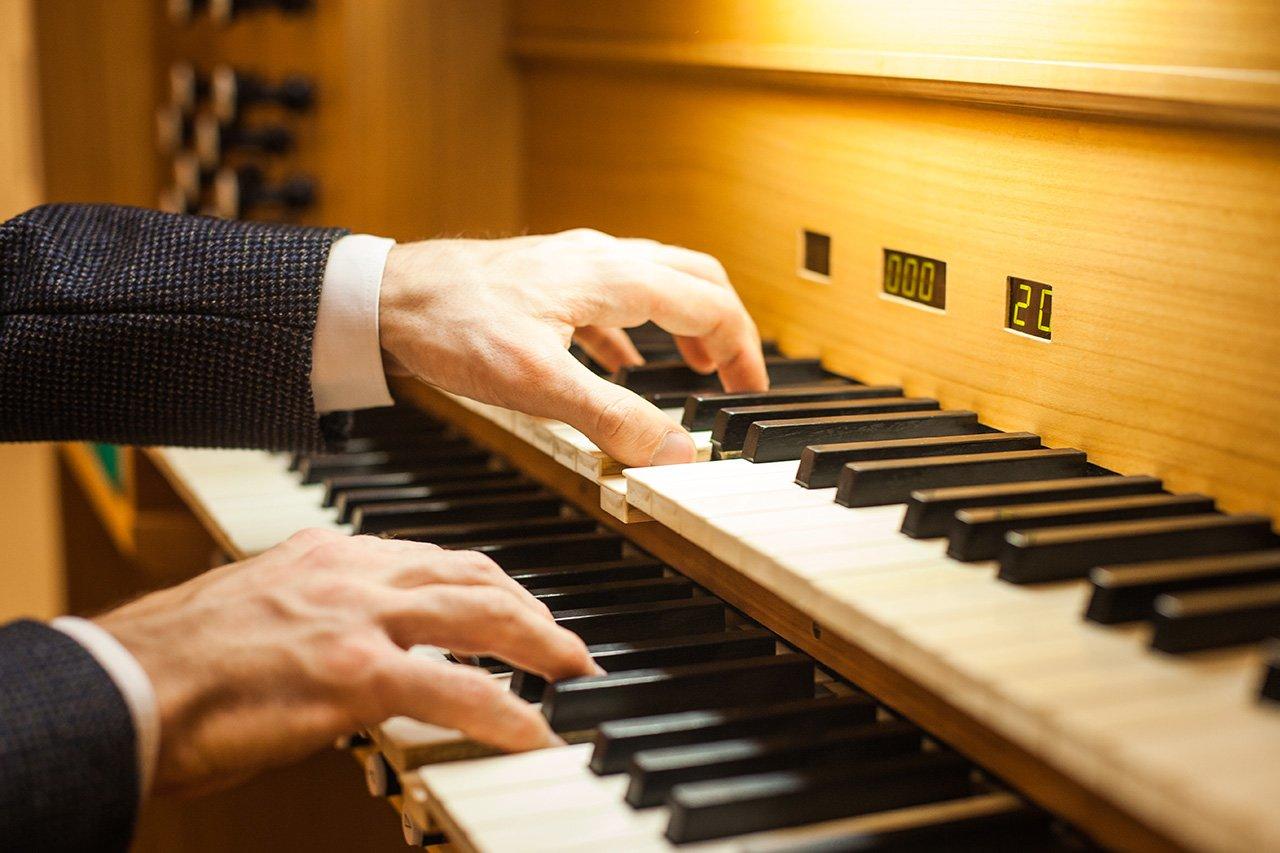 Органный зал с привидениями. В Белгородской филармонии отмечают день 6-летие четырёхэтажного инструмента, фото-3