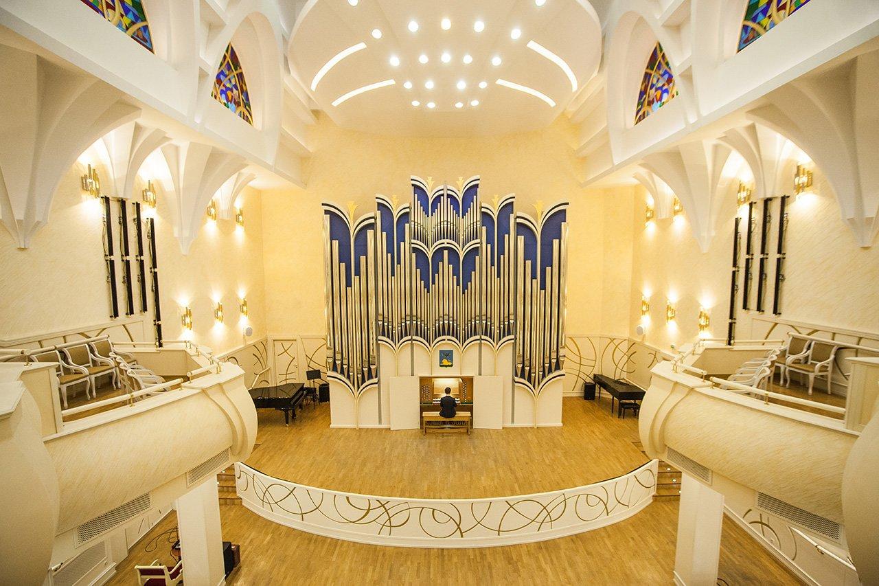 Органный зал с привидениями. В Белгородской филармонии отмечают день 6-летие четырёхэтажного инструмента, фото-13