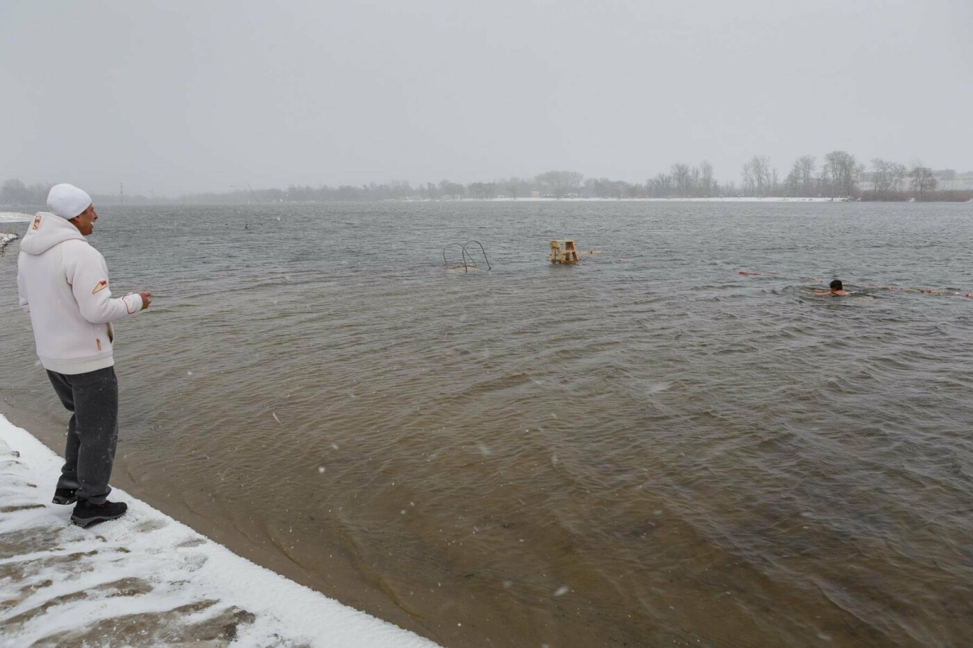 В Белгороде прошли соревнования по зимнему плаванию, фото-2
