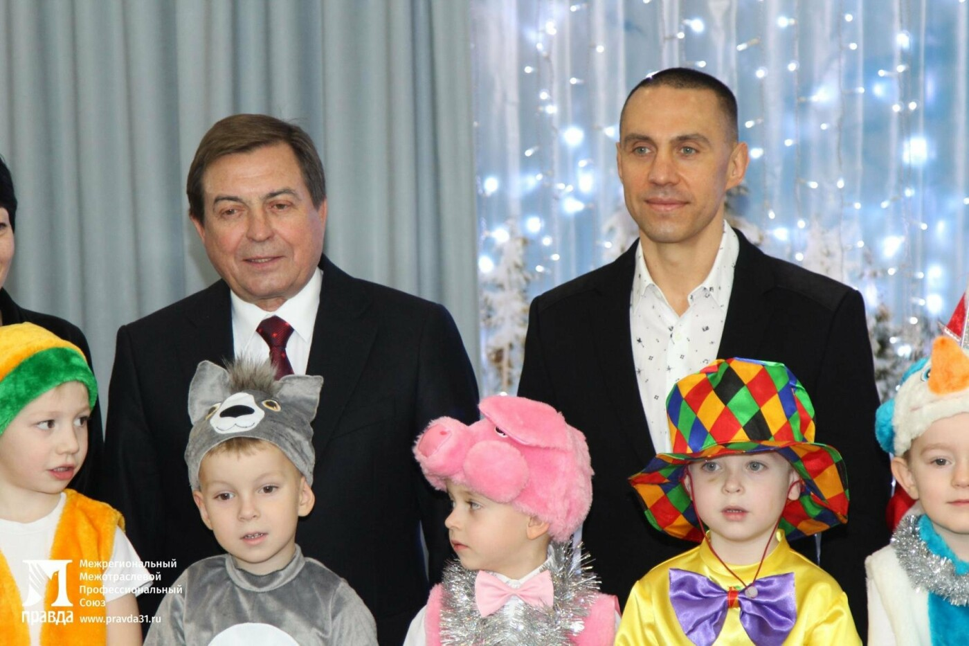 Праздник к нам приходит: воспитанников православного детского сада «Рождественский» поздравили с Новым годом, фото-4