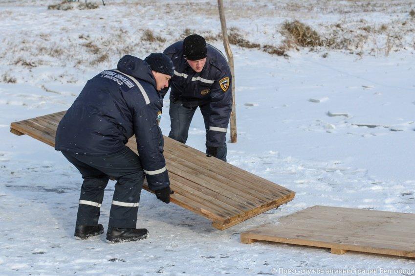 На Центральном пляже Белгорода оборудовали две купели, фото-7
