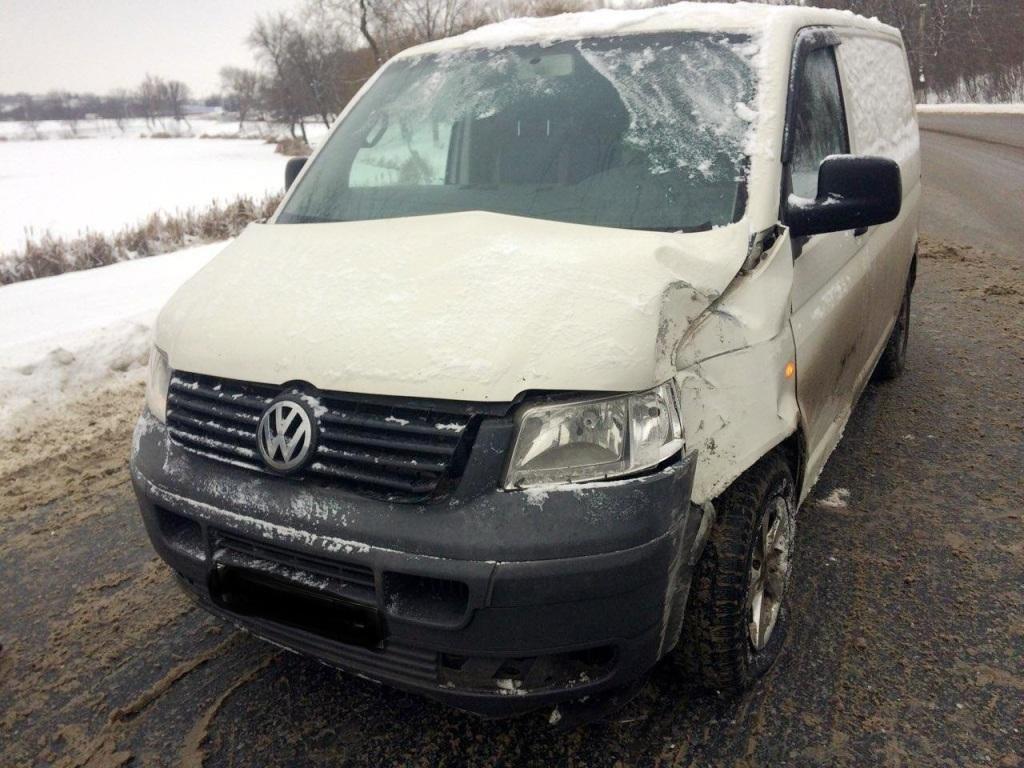 В Губкине водителя госпитализировали после ДТП на скользкой дороге, фото-1