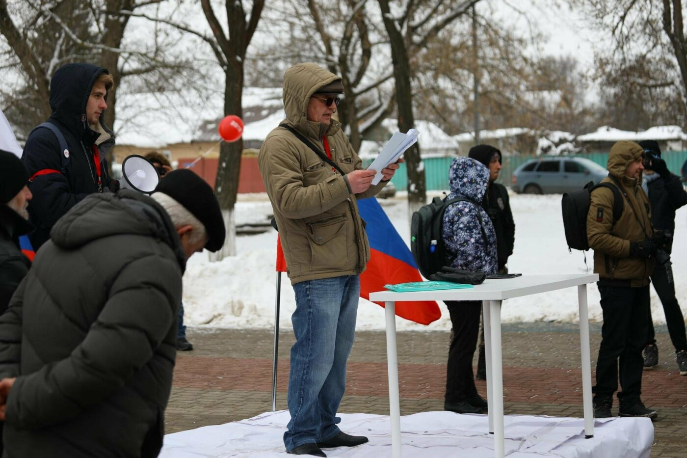 В Белгороде у Дома офицеров прошла «забастовка избирателей» — фоторепортаж, фото-6