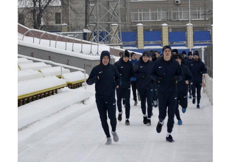 Футболисты «Энергомаша» возобновили тренировки, фото-2