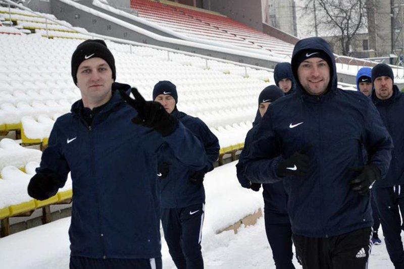 Футболисты «Энергомаша» возобновили тренировки, фото-1