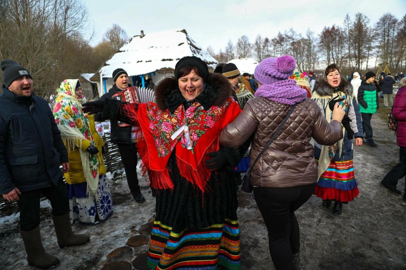 В Белгородской области в третий раз провели фестиваль «Маланья зимняя» — фоторепортаж, фото-17