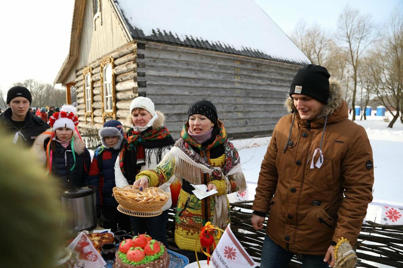В Белгородской области в третий раз провели фестиваль «Маланья зимняя» — фоторепортаж, фото-12