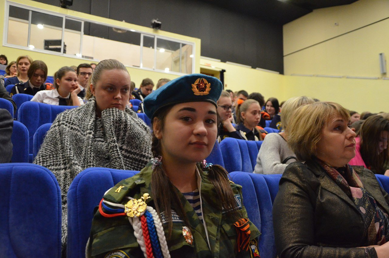 «Пели сердцем и душой». В Белгороде прошёл областной фестиваль военно-патриотической песни среди юнармейцев, фото-6
