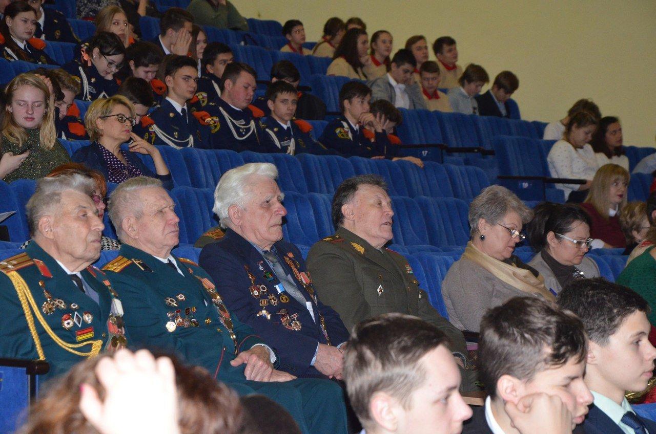 «Пели сердцем и душой». В Белгороде прошёл областной фестиваль военно-патриотической песни среди юнармейцев, фото-5