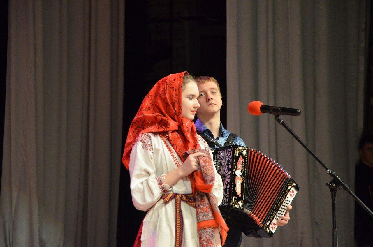 «Пели сердцем и душой». В Белгороде прошёл областной фестиваль военно-патриотической песни среди юнармейцев, фото-3