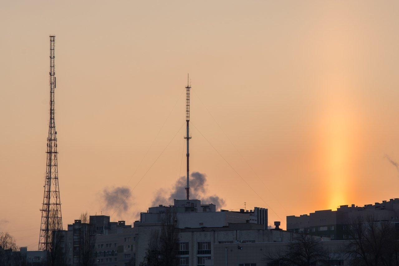 Два дня белгородцы наблюдали редкие природные явления — световой столб и ложное солнце, фото-5