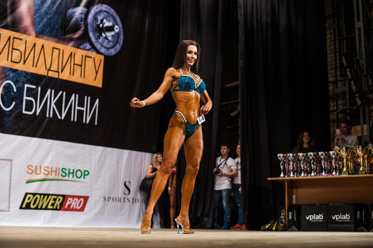 Губкинец Владимир Беляев стал чемпионом в белгородском турнире по бодибилдингу , фото-7