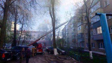 В Белгороде жильцов пятиэтажки эвакуировали из-за пожара, фото-3
