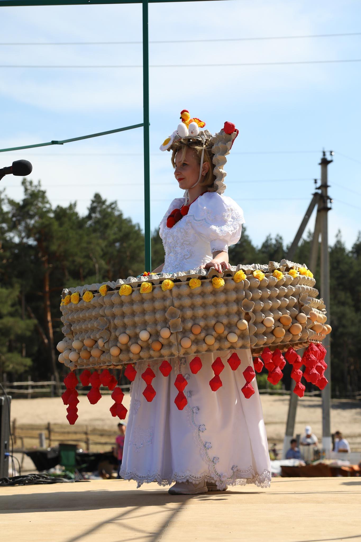 «У кого яйца, тот и прав». Как жители вымышленного города создают культ яичности, фото-17