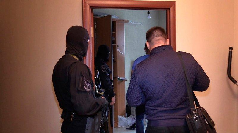 В Белгороде задержали банкиров-нелегалов, фото-1