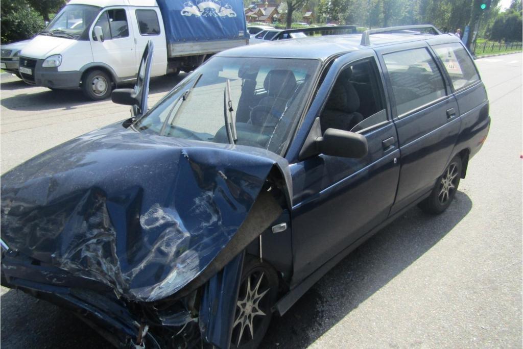 В Белгороде водитель «Форда» протаранил «Рено» и скрылся, фото-1