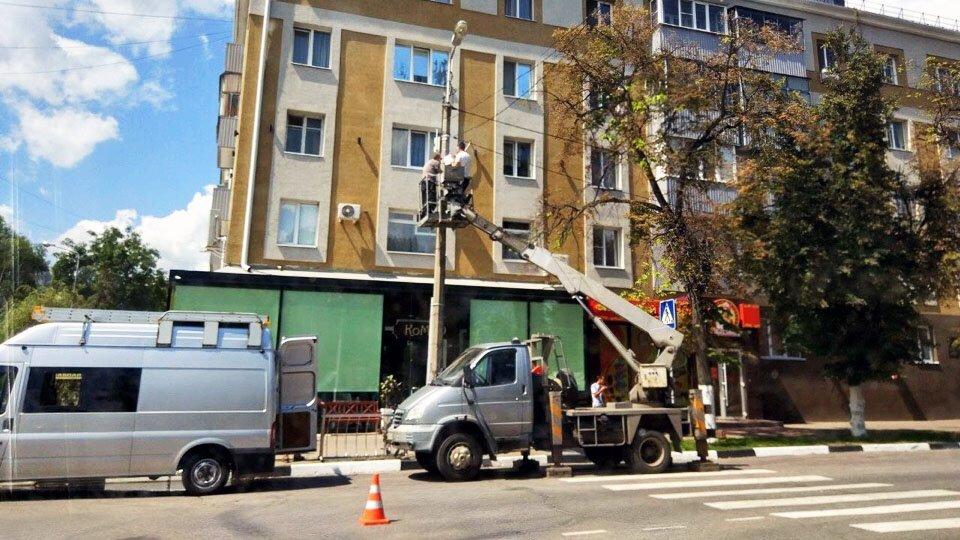 В центре Белгорода за платной парковкой следит поворотная камера, фото-1