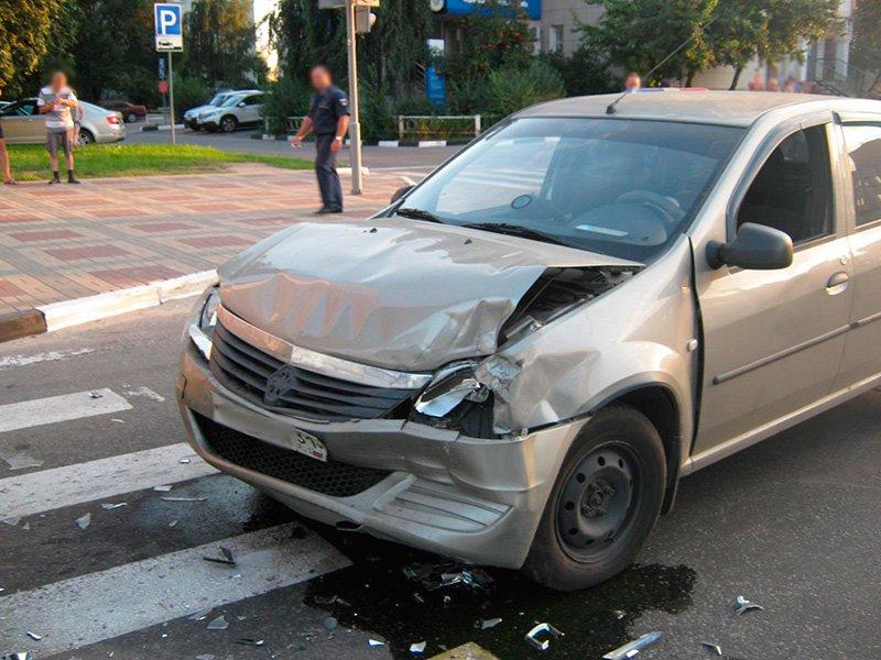 В Старом Осколе водитель ВАЗа сбил женщину с ребёнком, фото-1