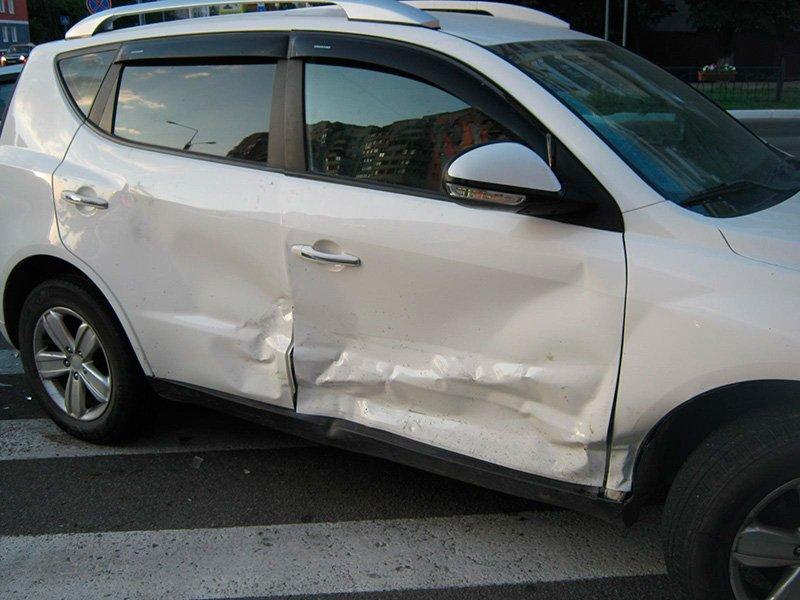 В Старом Осколе водитель ВАЗа сбил женщину с ребёнком, фото-4