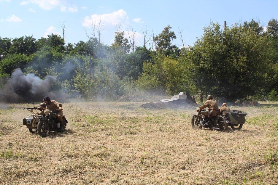 Реконструкторы воссоздали картину Курской битвы, фото-2