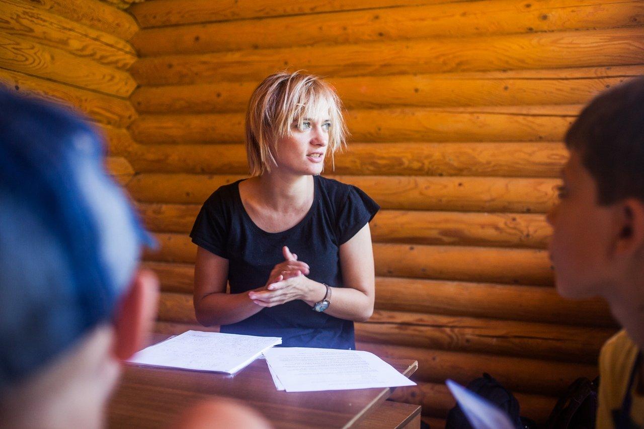В белгородском реабилитационном лагере «Мы можем всё» дети научились писать сюжеты к киносценариям, фото-2