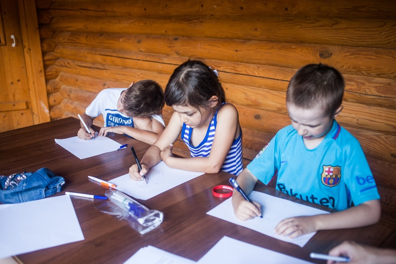 В белгородском реабилитационном лагере «Мы можем всё» дети научились писать сюжеты к киносценариям, фото-5