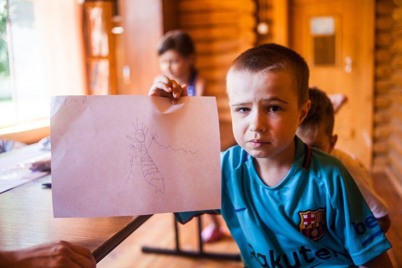 В белгородском реабилитационном лагере «Мы можем всё» дети научились писать сюжеты к киносценариям, фото-1