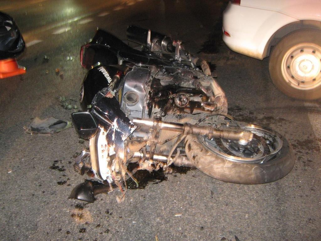 В Белгороде таксист снёс мотоциклиста, фото-2