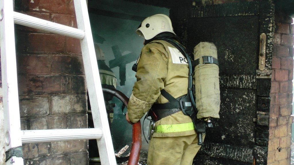 В центре Белгорода сгорел частный дом: погибли двое мужчин, фото-2