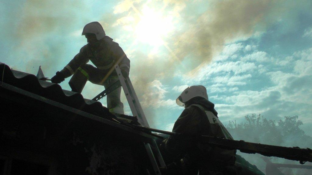 В центре Белгорода сгорел частный дом: погибли двое мужчин, фото-1