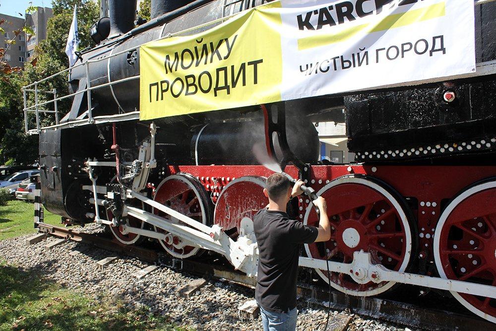 В Белгороде специалисты Керхер Центра очистили паровоз-музей РЖД, фото-6